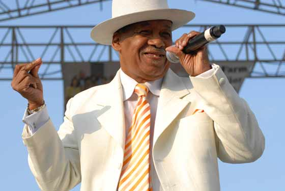 Marshall Thompson of the Chi-Lites