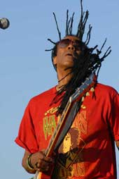 Junior Marvin of the Wailers (photo by Andrzej Pilarczyk)
