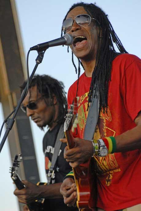 Al Anderson and Junior Marvin