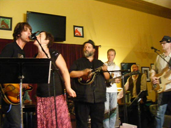 `Tern Rounders @ The Bread and Jam Cafe, Cohoes