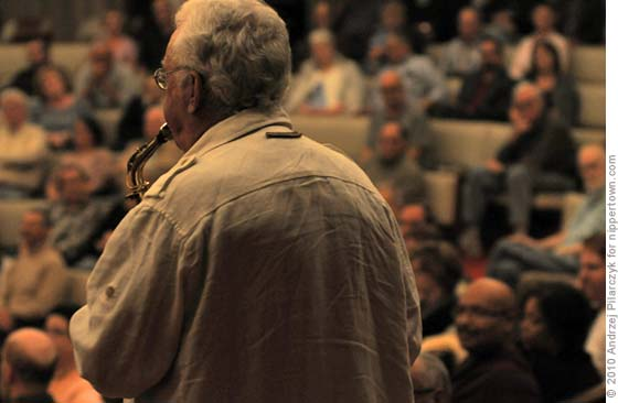 Lee Konitz and the crowd at the Whisperdome