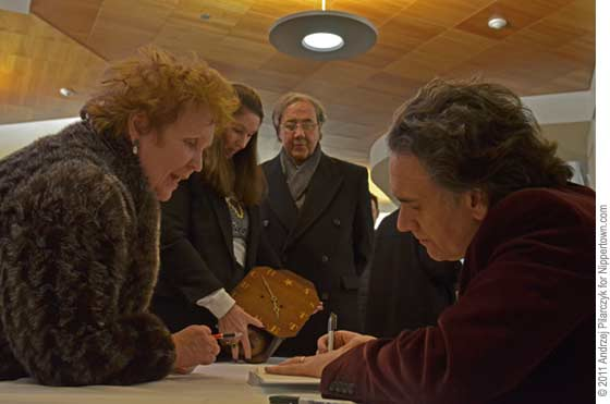 Peter Buffett signing autographs