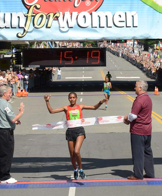 The race was won by Mamitu Dasks pf Ethiopia with a time of 15:19, 4 seconds ahead of fellow Ethiopian Aheza Kiros who finished second.