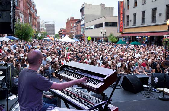 Company of Thieves @ PearlPalooza (photo by Sebastien Barre)