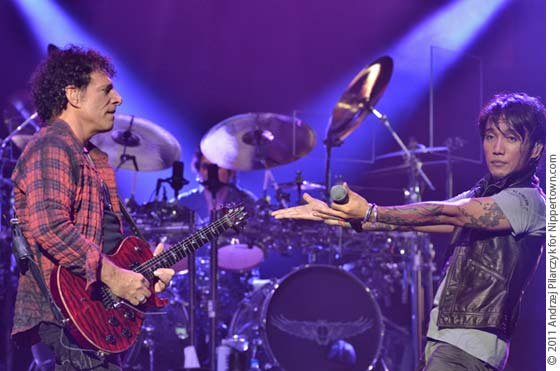 Neal Schon and Arnel Pineda of Journey
