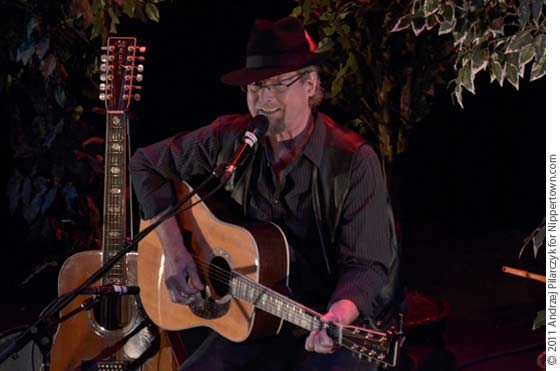 Roger McGuinn performing at The Egg in Albany (photo by Andrzej Pilarczyk)
