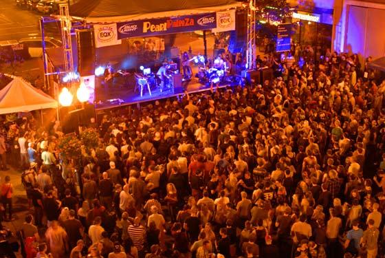 The crowd @ PearlPalooza  (photo by Brian Tromans)