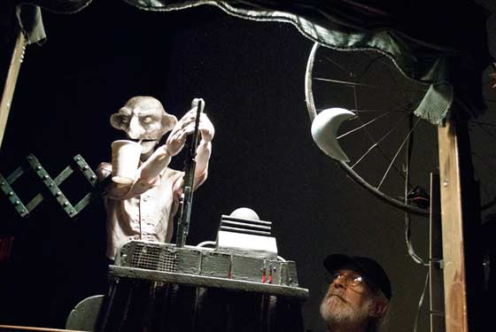 Ed Atkeson's Firlefanz Puppets: The Man at the Controls (photo by Timothy Cahill)
