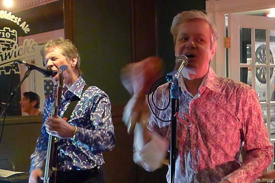 Ken Fox and Peter Zaremba of the Fleshtones