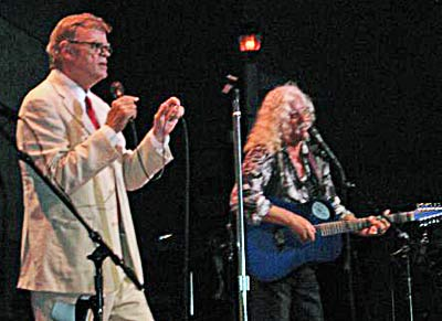 Garrison Keillor (l) and Arlo Guthrie have performed together before.