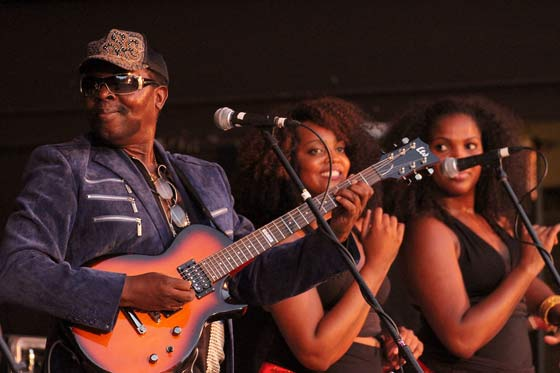 Diblo Dibala @ Music Haven 7/8/12 (photo by Stanley Johnson)
