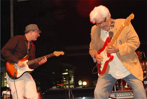 Murali and Larry Coryell (photo courtesty of NormanMusicScene.com)