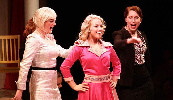 Legally Blonde at the MacHaydn Theatre in Chatham (photo: the Mac-Haydn Theatre Staff)