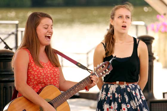 Olivia Quillio & Mary Rubino @ The Riverlink Singer-Songwriter Festival (photo by Stanley Johnson)