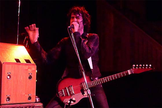 Jon Spencer and his theremin