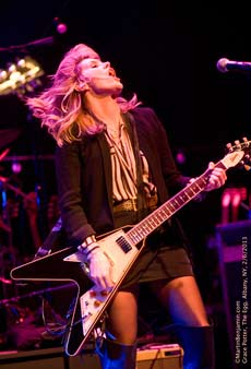 Grace Potter (photo by Martin Benjamin)