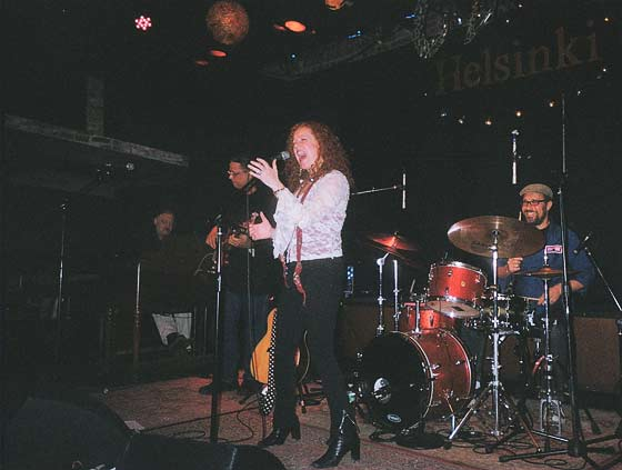 The Kirsten Thien Band @ Club Helsinki (photo by Fred Rudofsky)