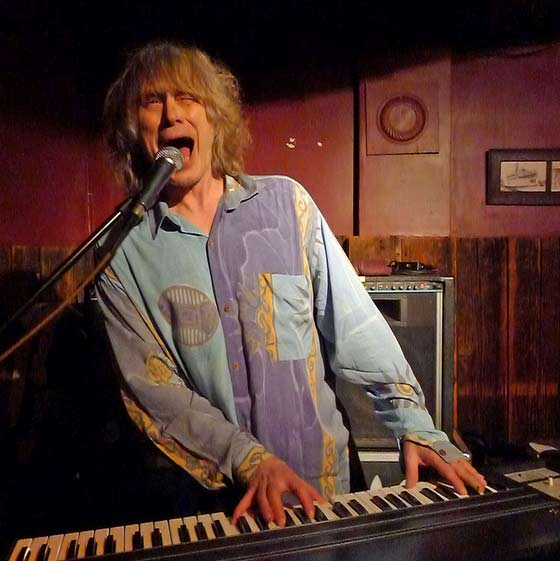 Terry Adams of NRBQ @ The Ale House in Troy (photo by Kirsten Ferguson)