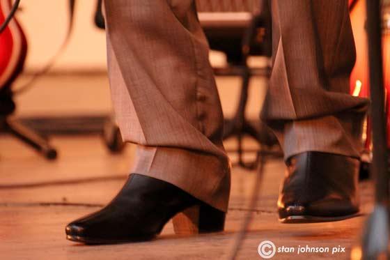 Snappy footwear
