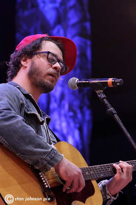 Amos Lee (photo by Stanley Johnson)