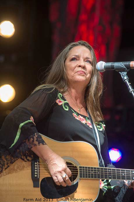 Carlene Carter (photo by Martin Benjamin)