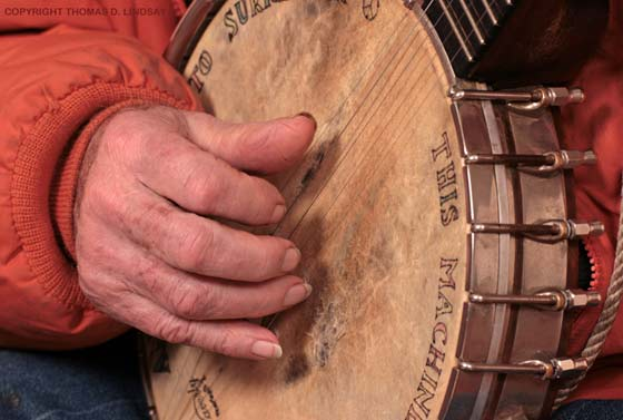 Pete Seeger's right hand