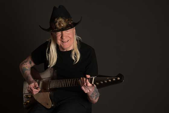 Johnny Winter (photo: Michael Weintrob)