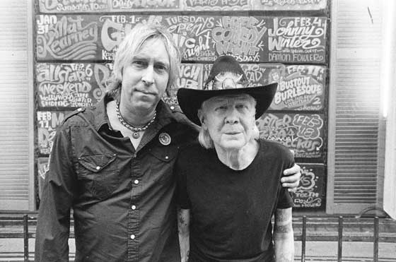 Paul Nelson and Johnny Winter (photo: Greg Olliver)