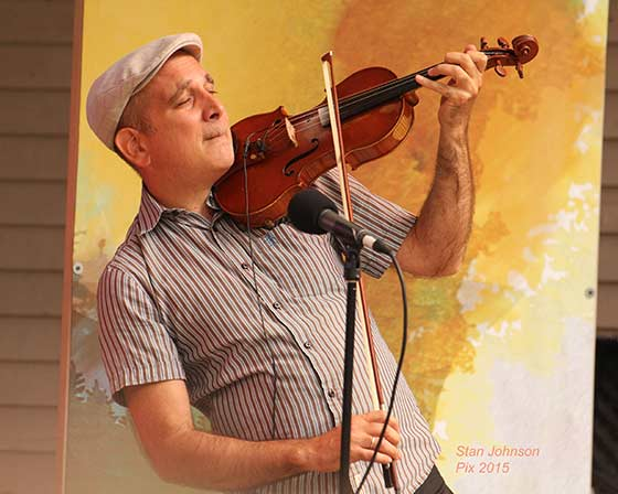 Sam Bardfeld of the Jazz Passengers