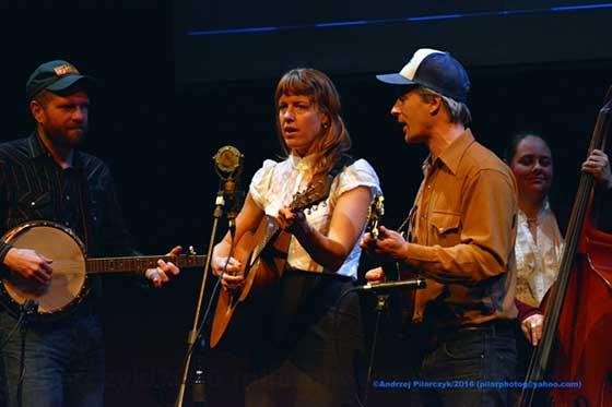 Foghorn Stringband