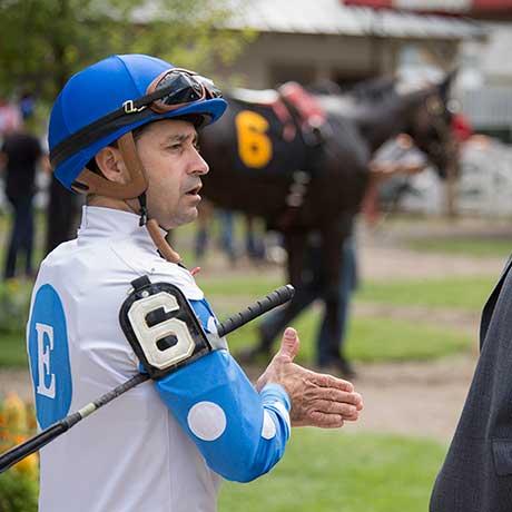 Joe Bravo strategizing his ride for T R Crew, paddock, Saratoga Racecourse, 7/26/2017