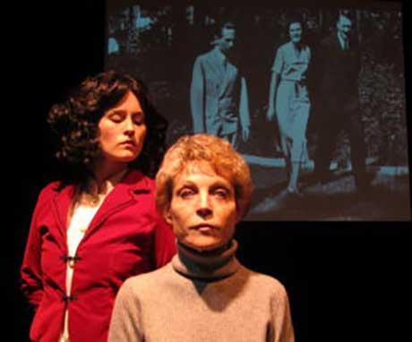 Olivia Howell as Leni, Roxanne Fay as Helene