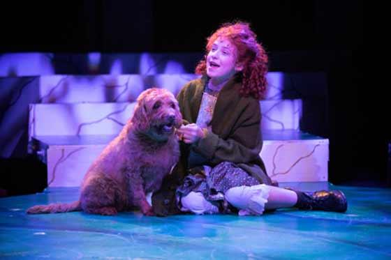Rieleigh Smith as Annie with Matty as Sandy
